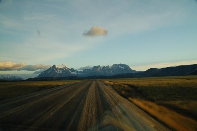 Camino hacia las Torres del Paine